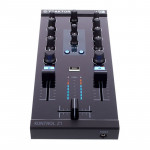دی جی کنترلر نیتیو اینسرومنت Native Instruments Traktor Kontrol Z1
