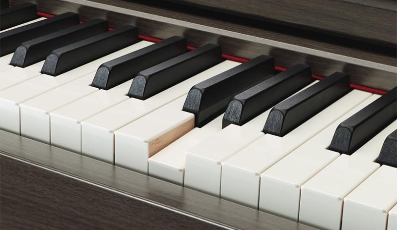 Yamaha CLP-645 WH پیانو دیجیتال