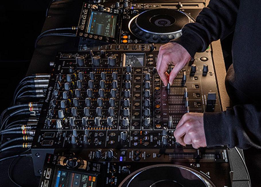 میکسر دی جی Pioneer DJM-V10