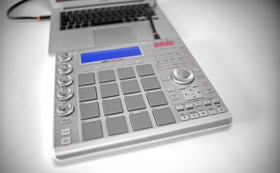 AKAI MPC Studio میدی کنترلر