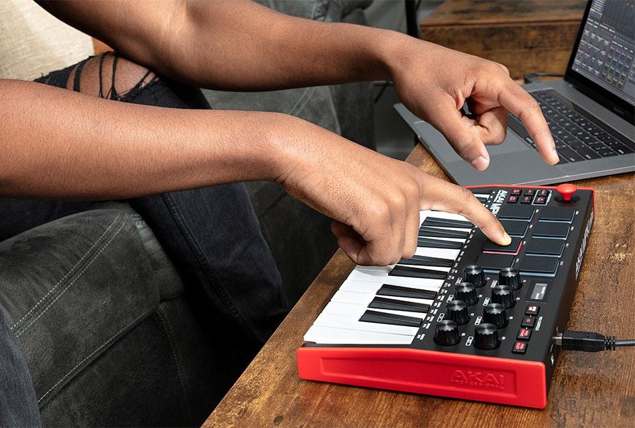 میدی کنترلر AKAI MPK Mini MK3