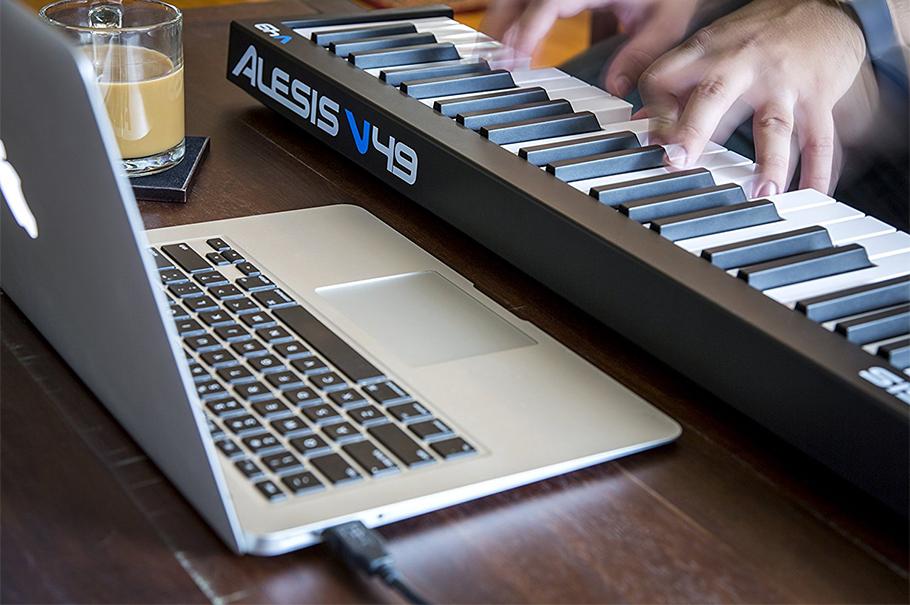 Alesis V49 میدی کنترلر
