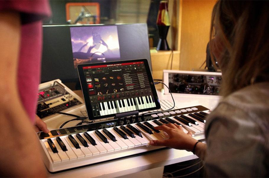 میدی کنترلر و کارت صدا IK Multimedia iRig Keys I/O 49